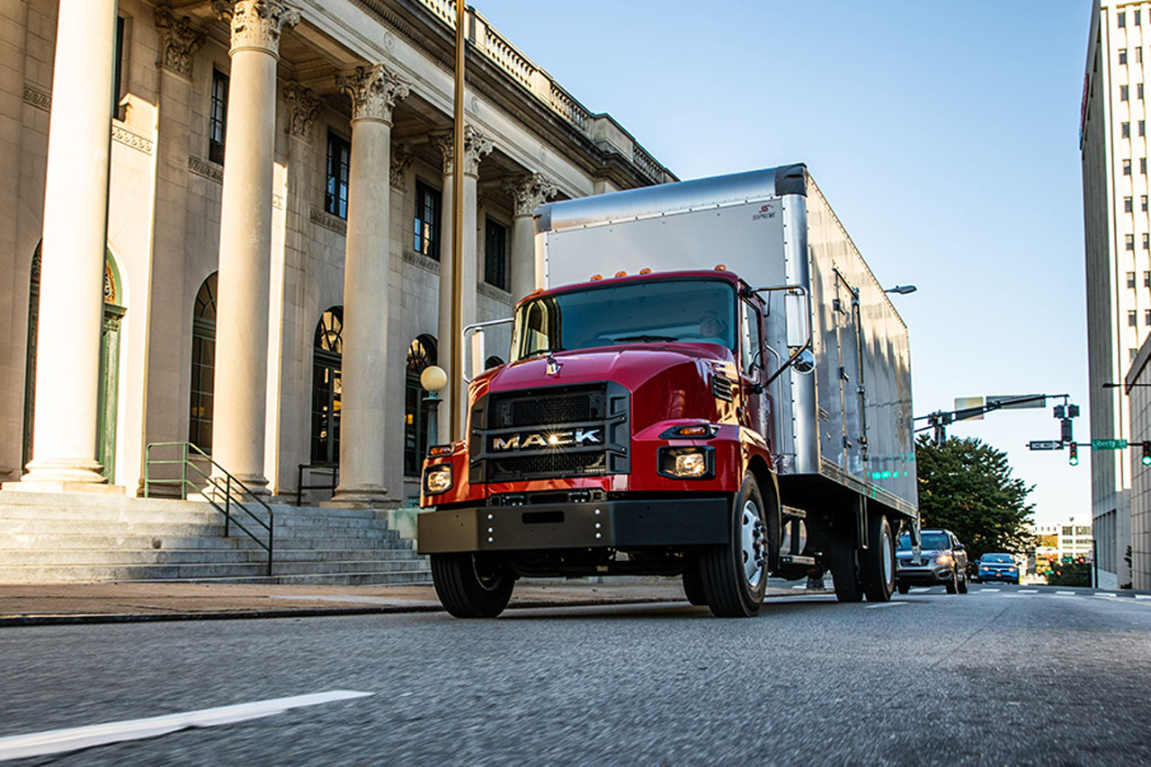 [사진자료2] 앨리슨 트랜스미션, 맥트럭의 신형 중형 트럭에 기본 변속기로 장착
