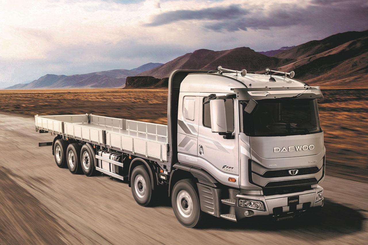 20200326_보도자료_타타대우상용차, DX12 엔진 탑재한 '프리마' 트럭 1호기 출고(2)