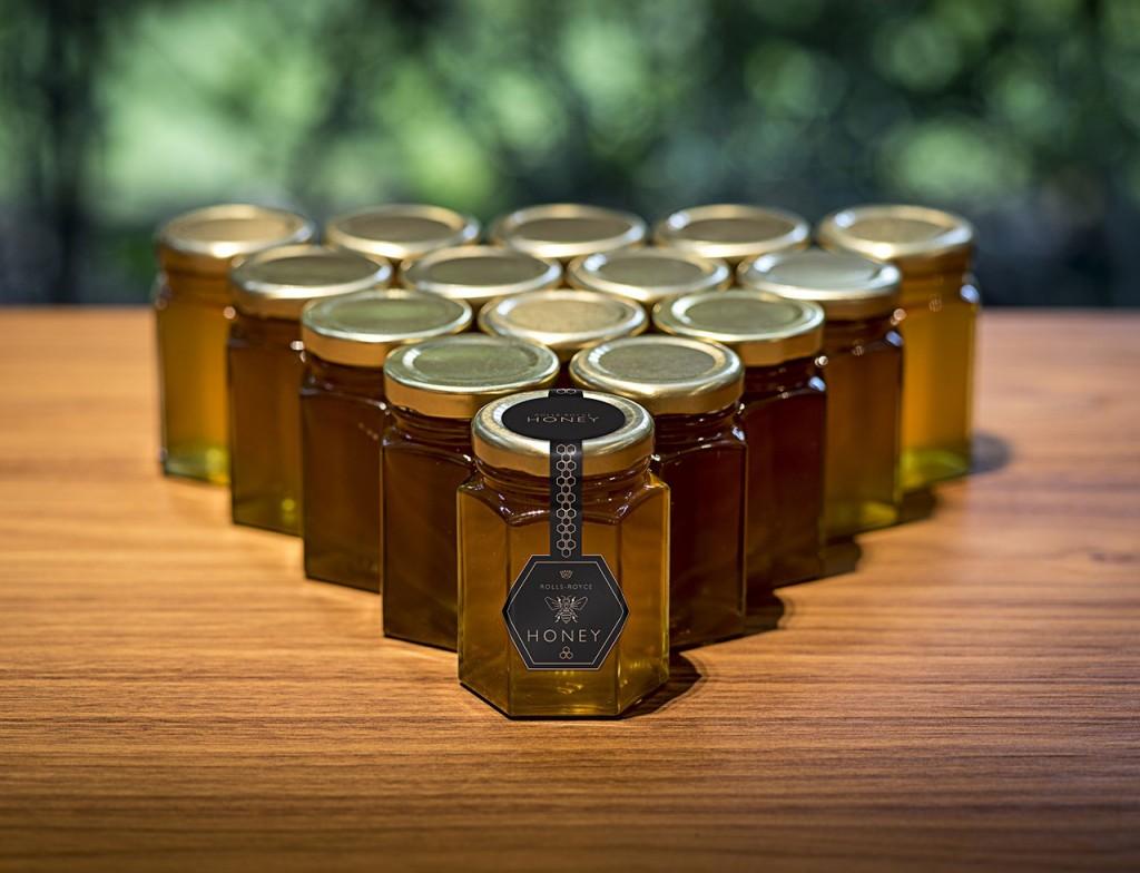 롤스로이스모터카_'세계 꿀벌의 날' 맞아 꿀벌 보호 동참_이미지3