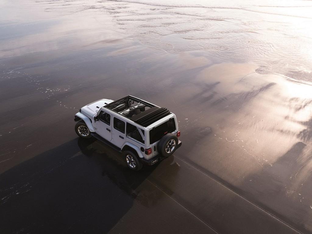 사진자료3-지프(Jeep®), 랭글러 오버랜드 파워탑 모델 국내 최초 출시