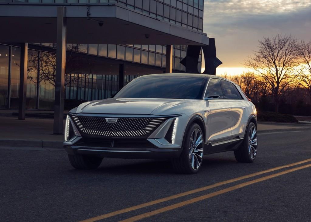 Cadillac-Lyriq_Concept-2020-1600-02