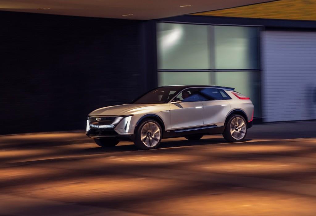 Cadillac-Lyriq_Concept-2020-1600-03