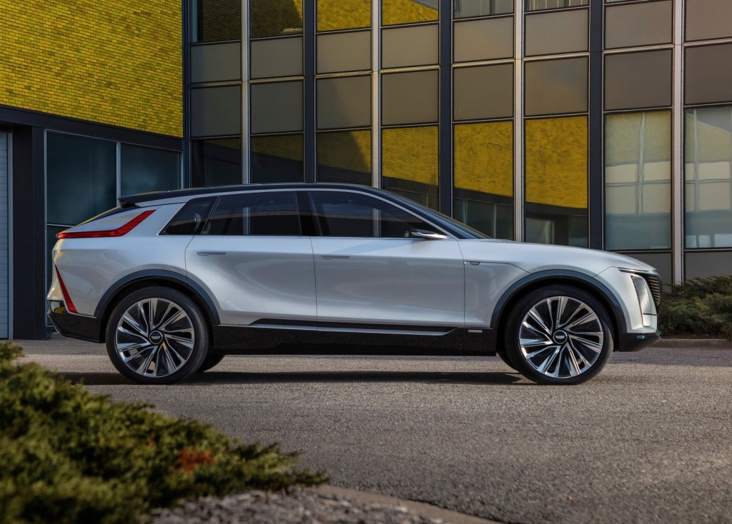 Cadillac-Lyriq_Concept-2020-1600-08