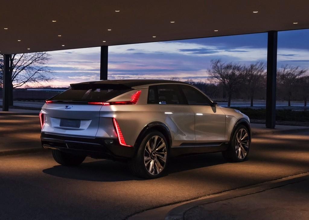 Cadillac-Lyriq_Concept-2020-1600-09