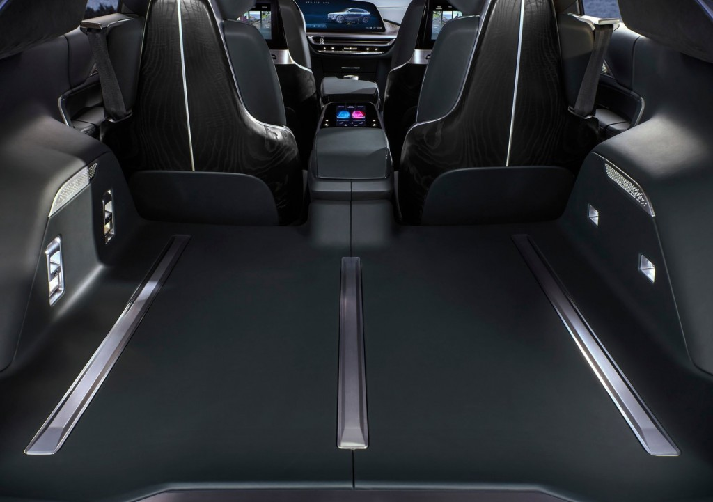 Cadillac-Lyriq_Concept-2020-1600-10