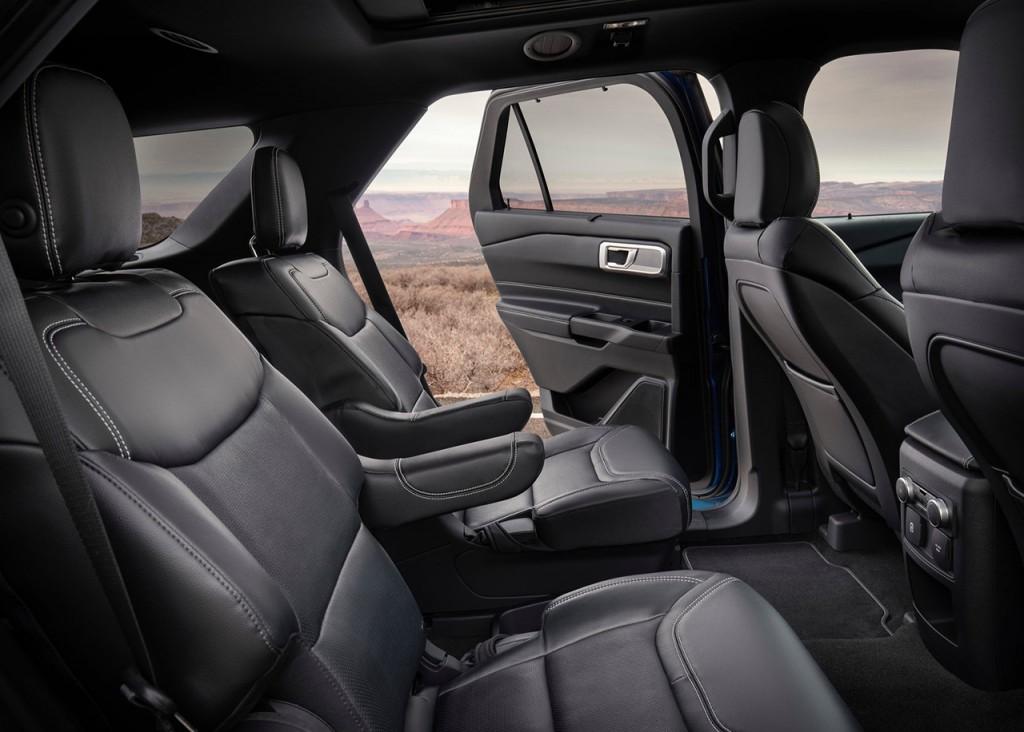 Ford-Explorer-2020-1600-11
